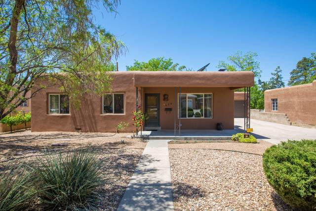 429 Fontana Place NE, Albuquerque, NM 87108 (MLS #991816) :: The Buchman Group