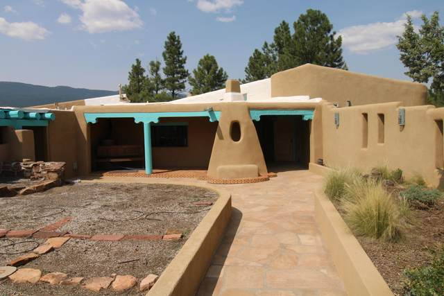 9 Kennedy Lane, Tijeras, NM 87059 (MLS #991846) :: Berkshire Hathaway HomeServices Santa Fe Real Estate