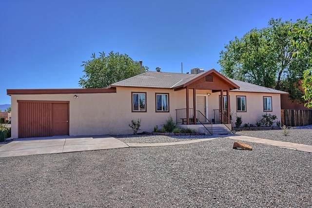 3116 Corona Drive NW, Albuquerque, NM 87120 (MLS #991932) :: Keller Williams Realty