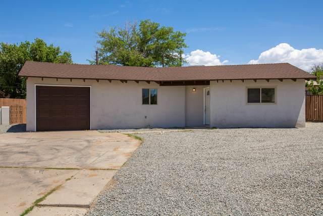 1106 Saint Street NE, Albuquerque, NM 87112 (MLS #992152) :: Berkshire Hathaway HomeServices Santa Fe Real Estate
