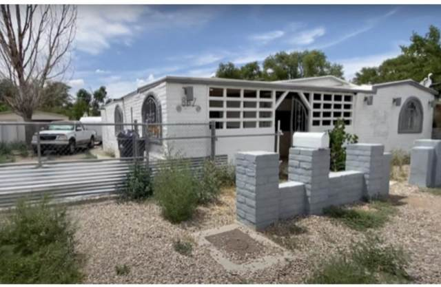 867 Arthur Drive SW, Albuquerque, NM 87105 (MLS #992234) :: Campbell & Campbell Real Estate Services