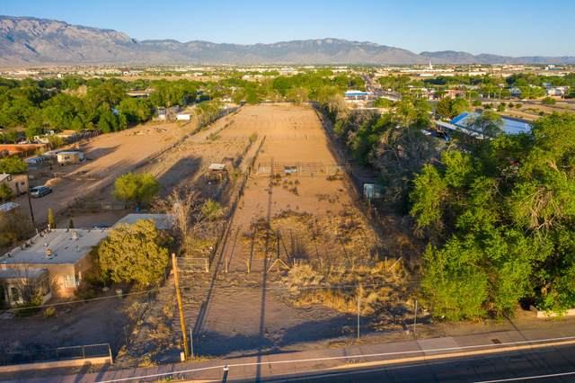 9600 2ND Street NW, Albuquerque, NM 87114 (MLS #992251) :: The Buchman Group