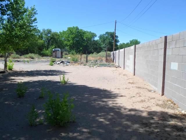 4924 S Hazel, Los Chavez, NM 87002 (MLS #993007) :: Keller Williams Realty