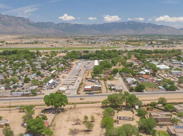10128 2ND Street NW, Albuquerque, NM 87114 (MLS #993252) :: Sandi Pressley Team