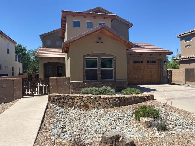 220 Nico Trail NW, Los Ranchos, NM 87114 (MLS #993445) :: Campbell & Campbell Real Estate Services