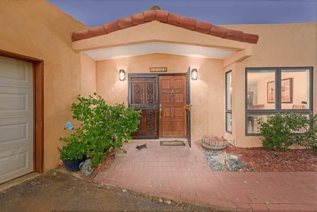 2908 Vista Grande Drive NW, Albuquerque, NM 87120 (MLS #993457) :: The Buchman Group