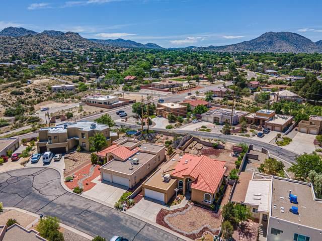 13404 Executive Hills Way SE, Albuquerque, NM 87123 (MLS #993493) :: Berkshire Hathaway HomeServices Santa Fe Real Estate