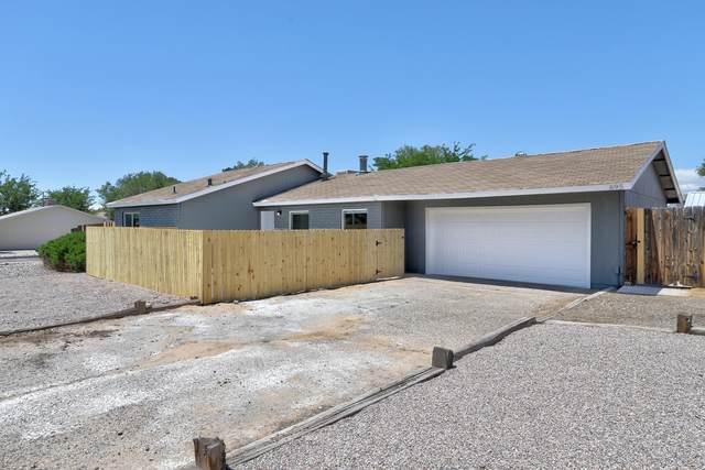 695 Arcturus Avenue SE, Rio Rancho, NM 87124 (MLS #993607) :: The Buchman Group