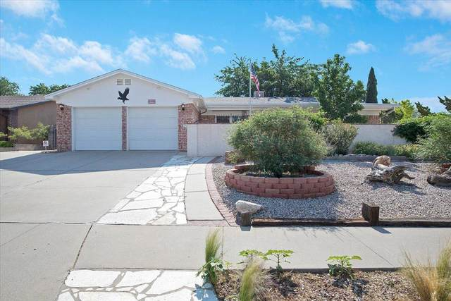 4008 Shenandoah Place NE, Albuquerque, NM 87111 (MLS #993616) :: Campbell & Campbell Real Estate Services