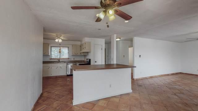 82 Jensen Lane, Belen, NM 87002 (MLS #993759) :: Campbell & Campbell Real Estate Services