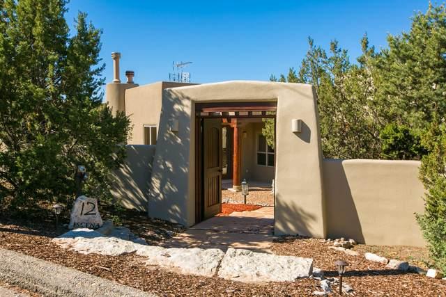 12 Escena Drive, Tijeras, NM 87059 (MLS #993787) :: Campbell & Campbell Real Estate Services