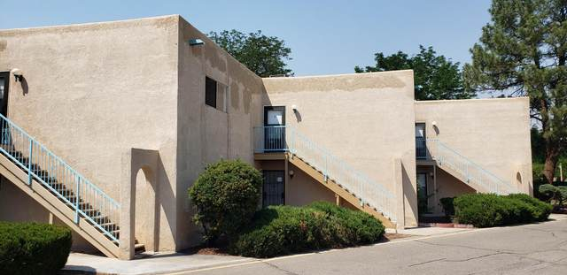 4709 Country Club Lane NW I-4, Albuquerque, NM 87114 (MLS #993860) :: Sandi Pressley Team