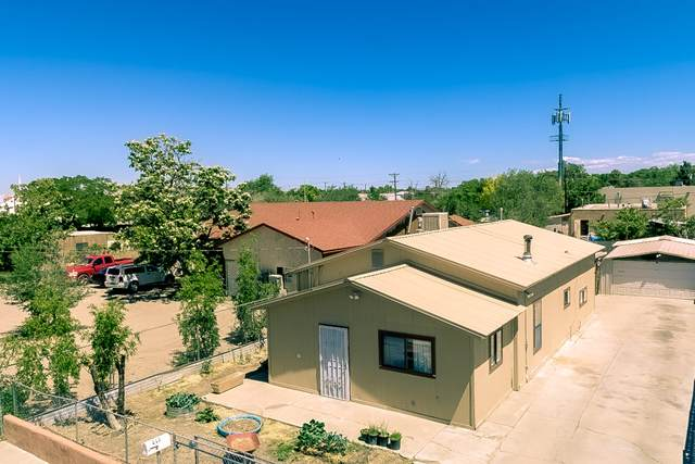 217 Sanchez Road NW, Albuquerque, NM 87107 (MLS #993873) :: Campbell & Campbell Real Estate Services