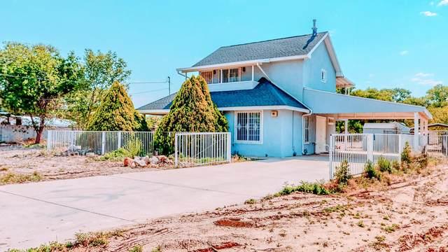 1606 La Vega Road SW, Albuquerque, NM 87105 (MLS #993876) :: Berkshire Hathaway HomeServices Santa Fe Real Estate