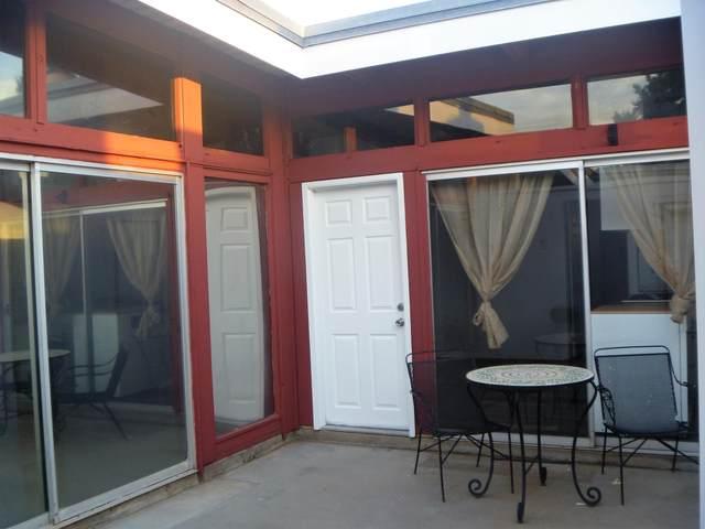1909 Alvarado Street NE A, Albuquerque, NM 87110 (MLS #993882) :: Berkshire Hathaway HomeServices Santa Fe Real Estate
