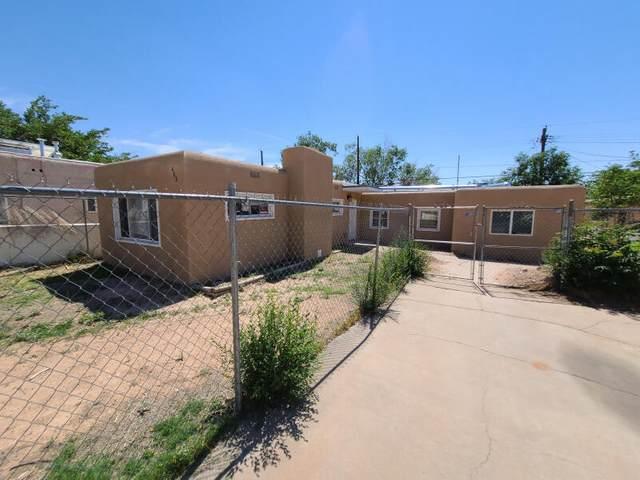 403 Chama Street NE, Albuquerque, NM 87108 (MLS #993931) :: Sandi Pressley Team