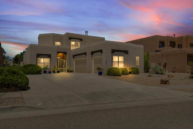 3819 Alamogordo Drive NW, Albuquerque, NM 87120 (MLS #993993) :: The Buchman Group