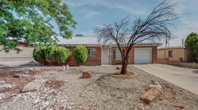 9112 Matthew Avenue NE, Albuquerque, NM 87112 (MLS #994037) :: Berkshire Hathaway HomeServices Santa Fe Real Estate