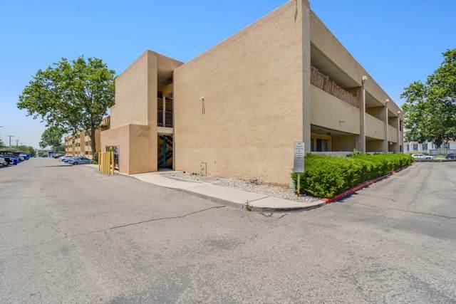4200 Montgomery NE #106, Albuquerque, NM 87110 (MLS #994081) :: Sandi Pressley Team