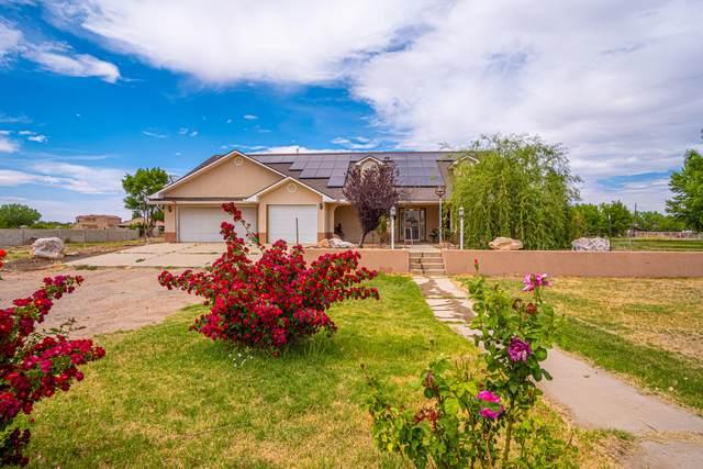 3 Sandia Road, Los Lunas, NM 87031 (MLS #994128) :: Sandi Pressley Team
