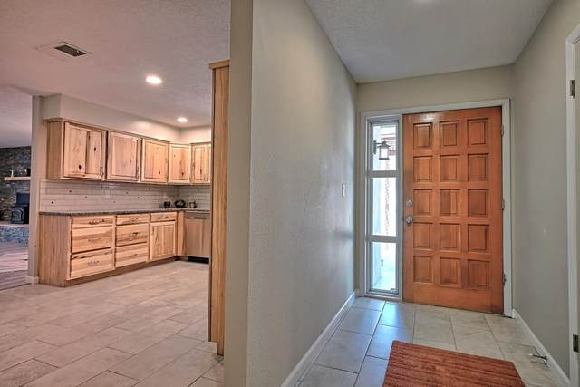 10642 Calle De Celina NW, Corrales, NM 87048 (MLS #994143) :: Campbell & Campbell Real Estate Services