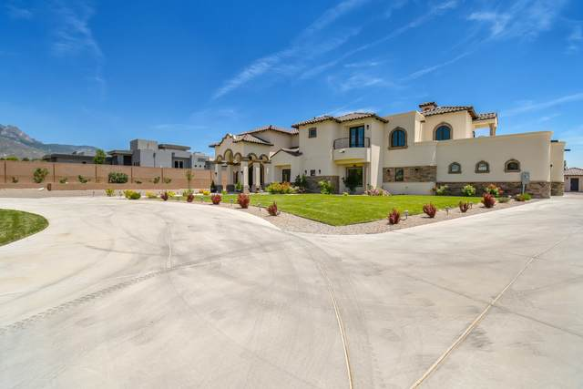 10408 Glendale Avenue NE, Albuquerque, NM 87122 (MLS #994267) :: Sandi Pressley Team