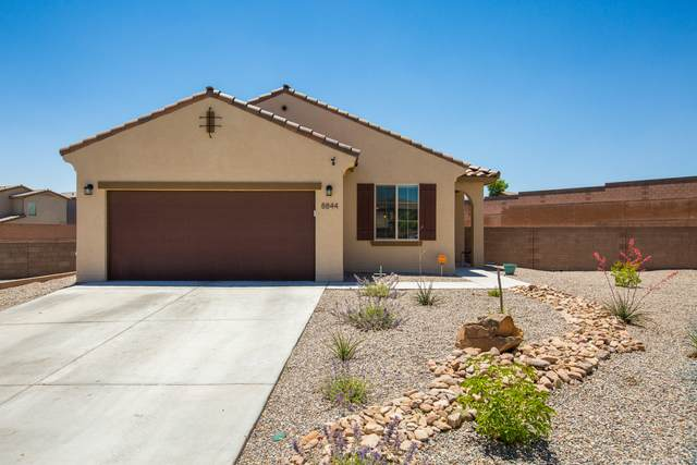 8844 Chinook Road NW, Albuquerque, NM 87120 (MLS #994299) :: Keller Williams Realty