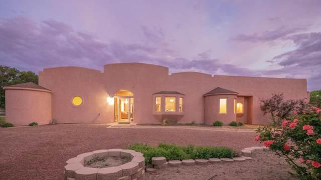 5616 Camino De Esperanza SW, Albuquerque, NM 87105 (MLS #994348) :: Berkshire Hathaway HomeServices Santa Fe Real Estate