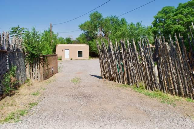 7515 Edith Boulevard NE, Albuquerque, NM 87113 (MLS #994433) :: Keller Williams Realty
