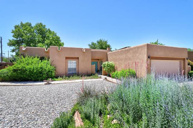 6405 Guadalupe Place NW, Los Ranchos, NM 87107 (MLS #994439) :: Campbell & Campbell Real Estate Services