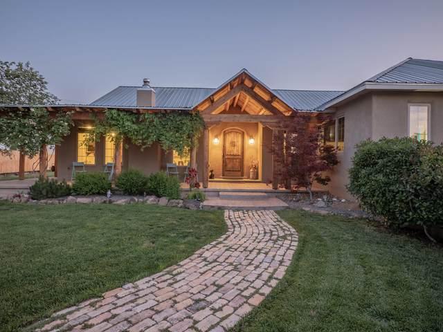426 Gavilan Place NW, Albuquerque, NM 87107 (MLS #994481) :: Keller Williams Realty