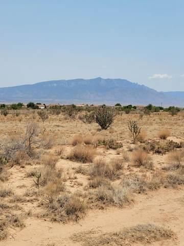5700 Kennard Road NE, Rio Rancho, NM 87144 (MLS #994497) :: Sandi Pressley Team
