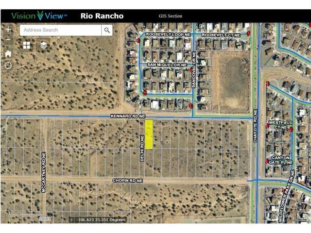 5800 Kennard Road NE, Rio Rancho, NM 87144 (MLS #994499) :: Sandi Pressley Team