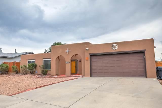 8120 Loma Del Norte Drive NE, Albuquerque, NM 87109 (MLS #994543) :: Sandi Pressley Team