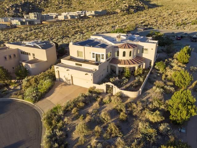 5000 Cumbre Del Sur Court NE, Albuquerque, NM 87111 (MLS #994557) :: Berkshire Hathaway HomeServices Santa Fe Real Estate