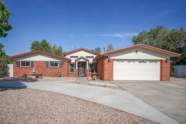109 Lawrence Drive NE, Albuquerque, NM 87123 (MLS #994596) :: Sandi Pressley Team