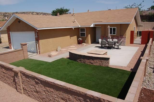 7217 Minehead Street NW, Albuquerque, NM 87120 (MLS #994715) :: Keller Williams Realty