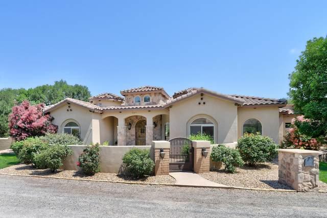 507 Marys Way NW, Los Ranchos, NM 87107 (MLS #994815) :: Keller Williams Realty