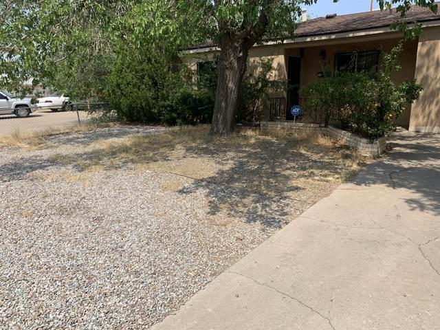136 Conchas Street NE, Albuquerque, NM 87123 (MLS #995058) :: Berkshire Hathaway HomeServices Santa Fe Real Estate