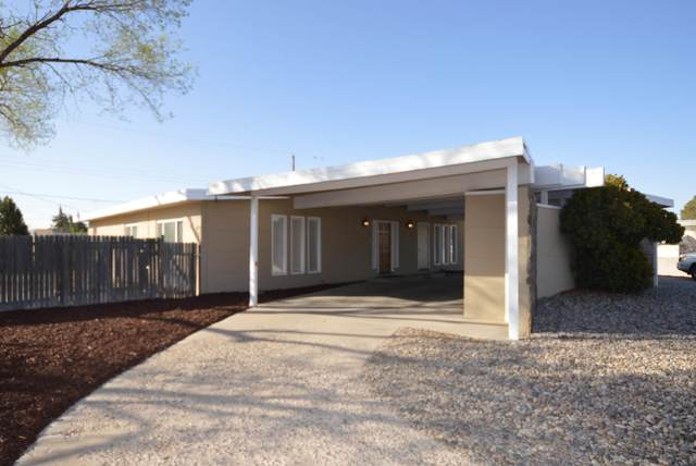9730 Golf Course Road NW, Albuquerque, NM 87114 (MLS #995166) :: Berkshire Hathaway HomeServices Santa Fe Real Estate
