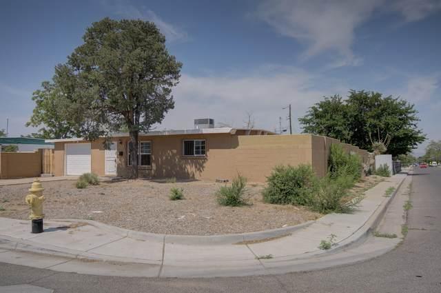 2737 Kentucky Street NE, Albuquerque, NM 87110 (MLS #995168) :: Berkshire Hathaway HomeServices Santa Fe Real Estate
