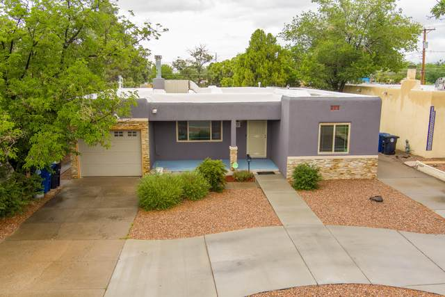 4825 Trumbull Avenue SE, Albuquerque, NM 87108 (MLS #995527) :: Berkshire Hathaway HomeServices Santa Fe Real Estate