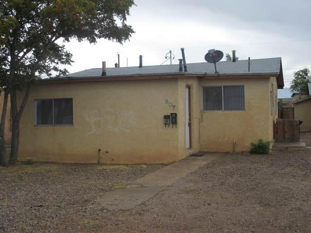 807 Aztec Road NW, Albuquerque, NM 87107 (MLS #995620) :: Berkshire Hathaway HomeServices Santa Fe Real Estate