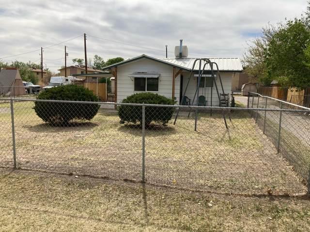 701A/702B Monte Vista Road NE, Los Lunas, NM 87031 (MLS #995635) :: The Buchman Group