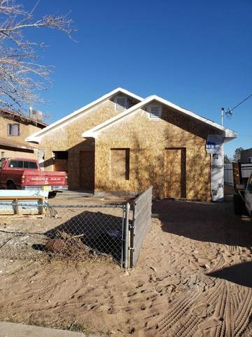 3812 Alta Monte Place NW, Albuquerque, NM 87107 (MLS #995642) :: Sandi Pressley Team