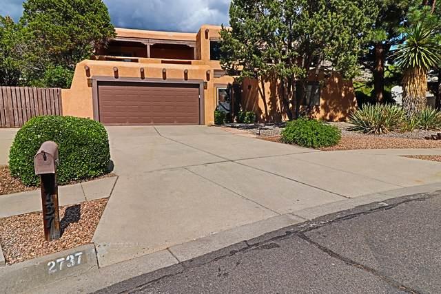 2737 Casa Del Norte Court NE, Albuquerque, NM 87112 (MLS #995719) :: Sandi Pressley Team