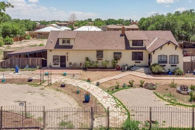 2310 Matthew Avenue NW, Albuquerque, NM 87104 (MLS #995846) :: Sandi Pressley Team