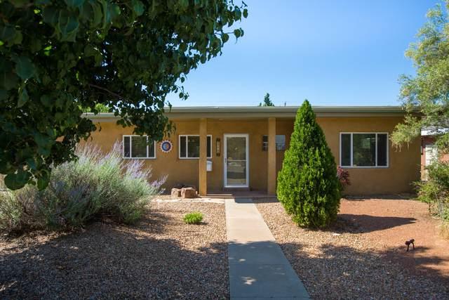 4220 Mackland Avenue NE, Albuquerque, NM 87110 (MLS #995853) :: Keller Williams Realty