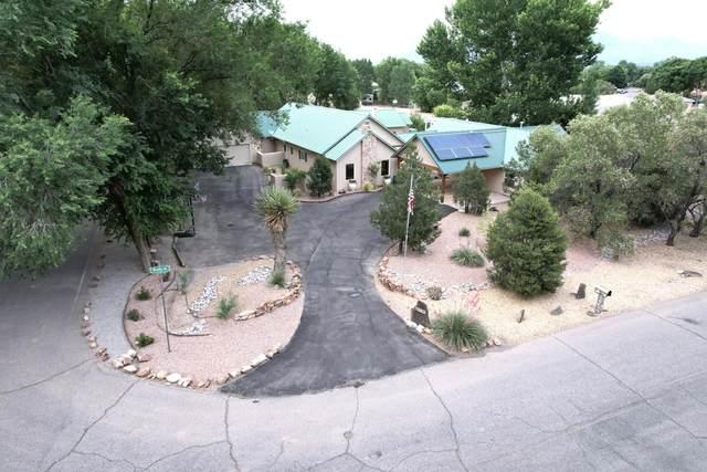 1739 Rusty Road NW, Albuquerque, NM 87114 (MLS #995871) :: Sandi Pressley Team