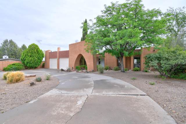 1330 Ridgecrest Loop SE, Albuquerque, NM 87108 (MLS #996156) :: Keller Williams Realty